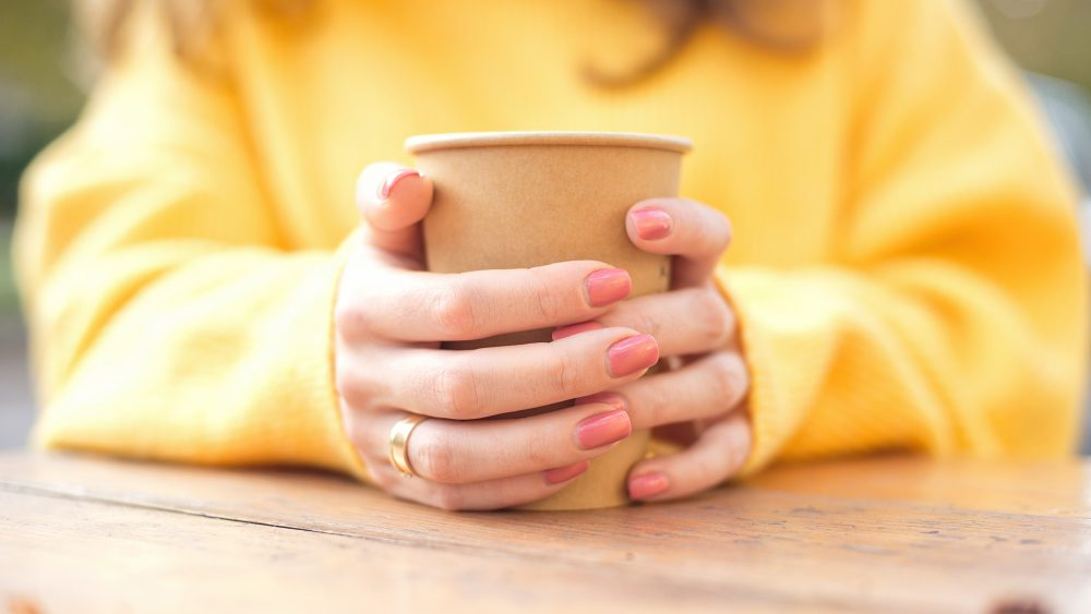 Kaffeebecher-Recyclingprogramme nehmen Fahrt auf