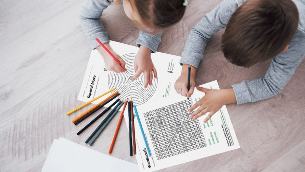 7 Spiele mit Stift und Papier für die ganze Familie
